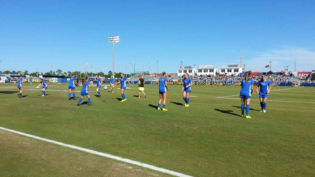 Kentucky Wildcats doing pregame drills.